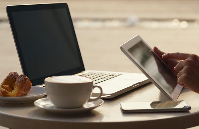 Webdesign mit Kaffee